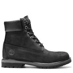 Black Timberland Women's boots (size 8)